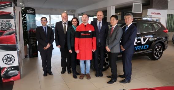 {c_qp_statement_title7}-Honda Delegation im Autohaus Hänfling zur Ehrung der Spitzenergebnisse bei der Europa- u. Weltmeisterschaft von Herrn Erich Lechner